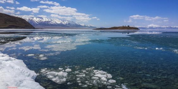 冬季塞里木湖600300.jpg
